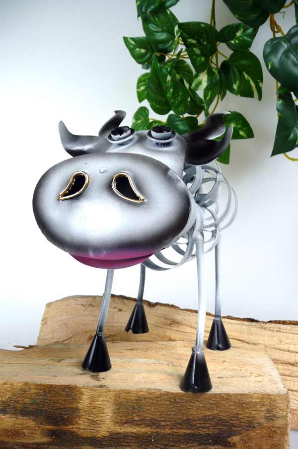 Originelle figur lustige kuh aus metall au ergew hnliche for Metall deko haus garten